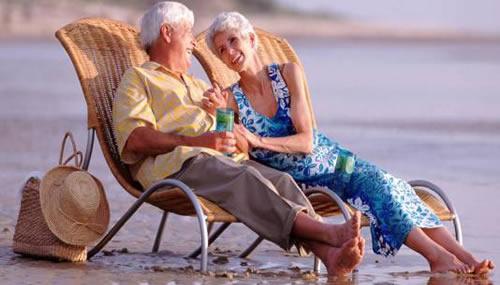 Sempre più anziani scelgono di andare all'estero per necessità di cura e per vivere