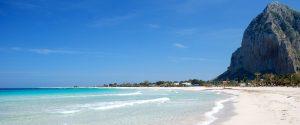 La suggestiva spiaggia di S. Vito lo Capo, in Sicilia