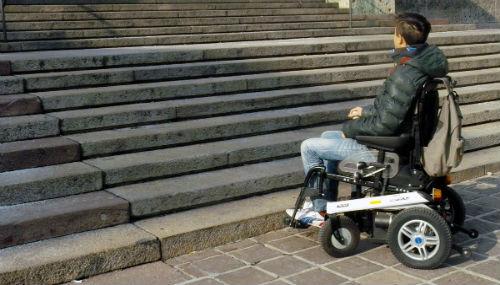 Roma, l'accessibilità della città è un grave problema per le persone con disabilità motorie
