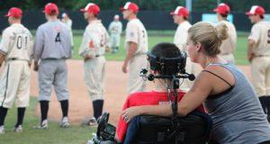 Tim Frates, atleta 29enne affetto da Sla ed ispiratore del Ice Bucket Challenge pe promuovere la consapevolezza e la ricerca sulla malattia neurodegenerativa, è diventato padre