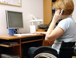 Alcuni disabili svolgono parte del proprio lavoro da casa, però hanno necessità di andare da altre parti: limitare il servizio soltanto agli spostamenti lavorativi, quindi, è riduttivo e anacronistico