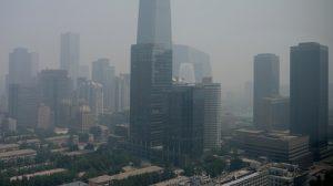 Il cielo di Pechino fra grattacieli e smog