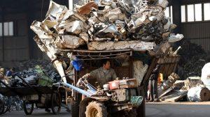 Una discarica di rifiuti elettronici a Taizhou