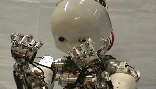 iCub2 il primo robot da compagnia