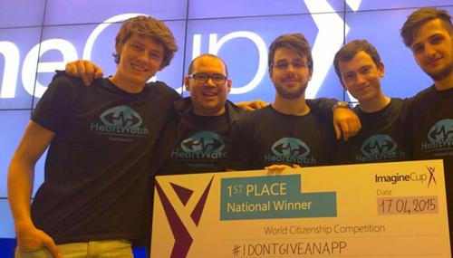 Il gruppo di studenti del politecnico di torino che ha vinto il premio di Microsoft