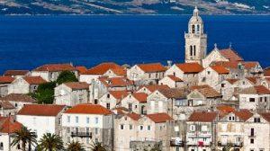 Il borgo di Korcula in Dalmazia: mare ed arte medievale