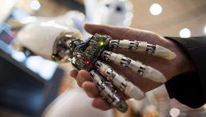 La tecnologia crea valore solo in sintesi con l'intelligenza umana