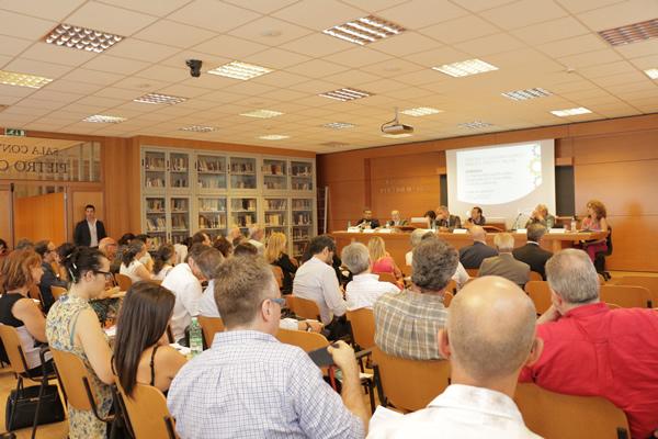 La sala Pietro Onida del Dipartimento Deap della Sapienza era gremito di docenti, studenti ed addetti ai lavori