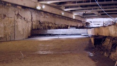 Grande vasca romana scoperta nel corso degli scavi a San Giovanni