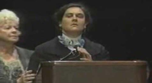 Helen Keller nel corso di una conferenza tenuta nel 1925