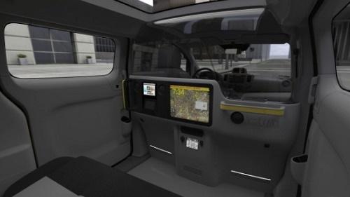 L' interno del minivan della Nissan, moderno e dotato di tutti i comfort