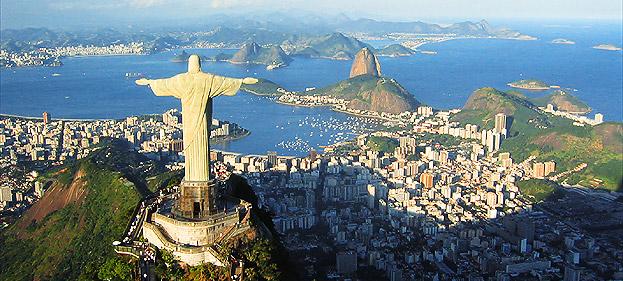Una veduta di Rio de Janeiro. Solo negli agglomerati di Rio e São Paulo risiedono 30 milioni di brasiliani su 220