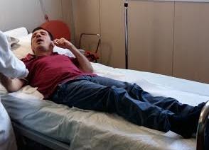 Queste sono invece delle iniezioni di botulino somministrate a scopi terapeutici,  presso l' Unità di Neurologia Clinica del San Filippo Neri, a Roma
