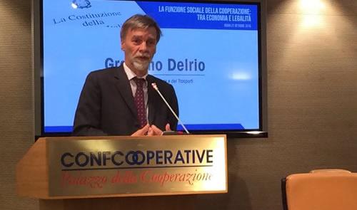Il Ministro per le Infrastrutture Graziano Del Rio ha ricordato che il massimo ribasso verrà vietato per legge con il nuovo Codice degli Appalti Pubblici