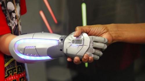 Open Bionics presenta le protesi Marvel, Star Wars e Disney