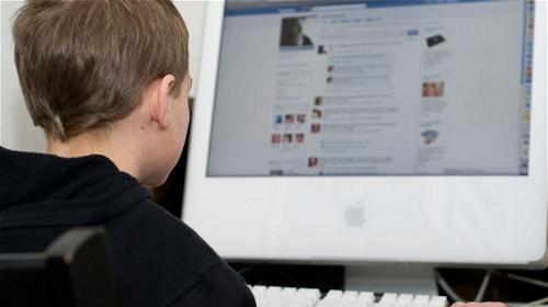 """Adolescente """"rapito"""" da Facebook"""