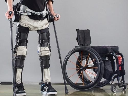 Camminare grazie ad un 'robot': ecco l'esoscheletro Phoenix