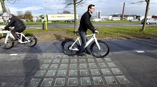 La pista ciclabile a pannelli solari di Krommenie
