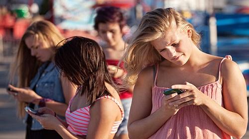 Queste ragazze stanno veramente in gruppo?