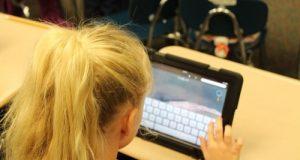 bambini, internet, calo di attenzione