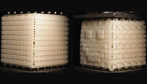 Un metamateriale di recente realizzazione promette  una rivoluzione nella realizzazione di protesi e dispositivi indossabili