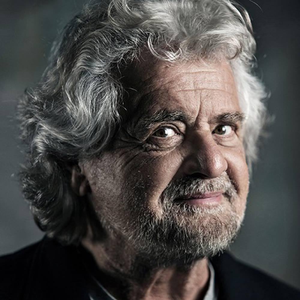 Beppe Grillo (profilo Facebook)